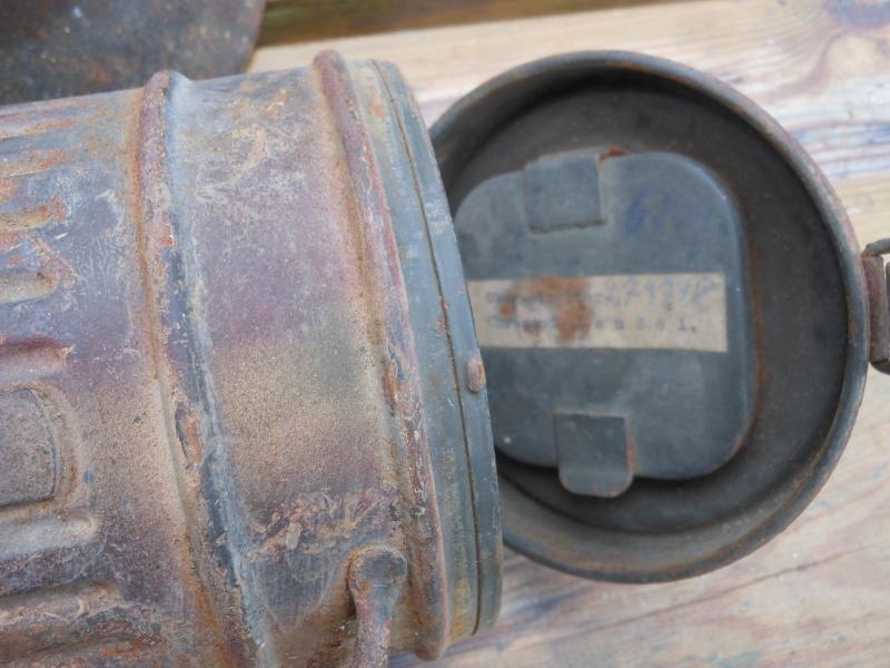 Deux casques et un boitier au meme camouflage. Dscn0219