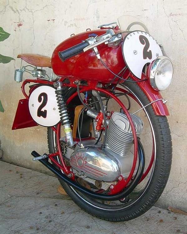 Idées : Moto Steampunk Motope10