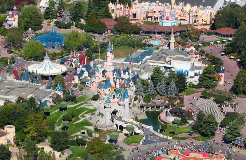 Photos publiées sur Facebook par Disneyland® Paris 10454910