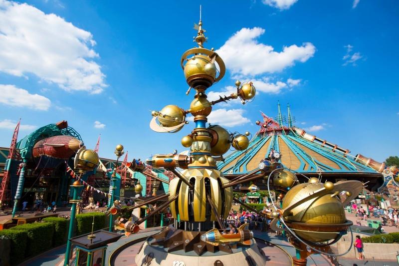 Photos publiées sur Facebook par Disneyland® Paris 10459010