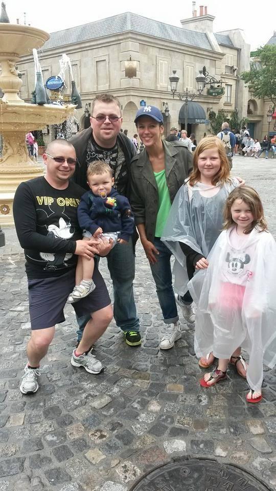 LORIE à Disneyland Paris  10482810