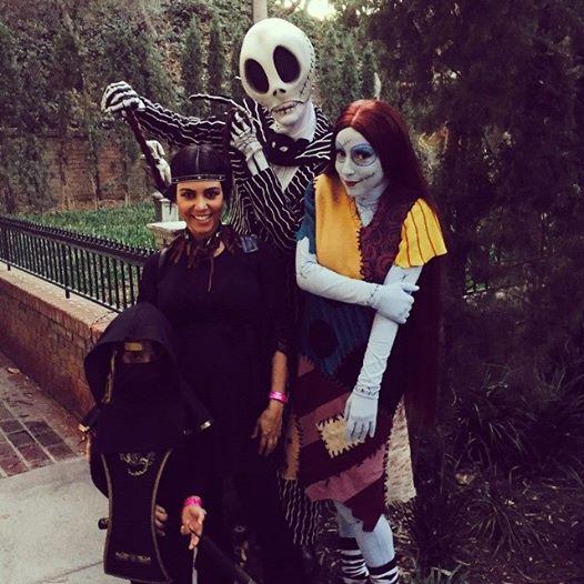 Les Kardashian à Disneyland Californie pour fêter Halloween en famille  10628110
