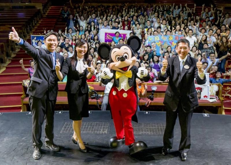 Ambassadeur Disneyland Paris 2015 - 2016  - Page 2 10687310