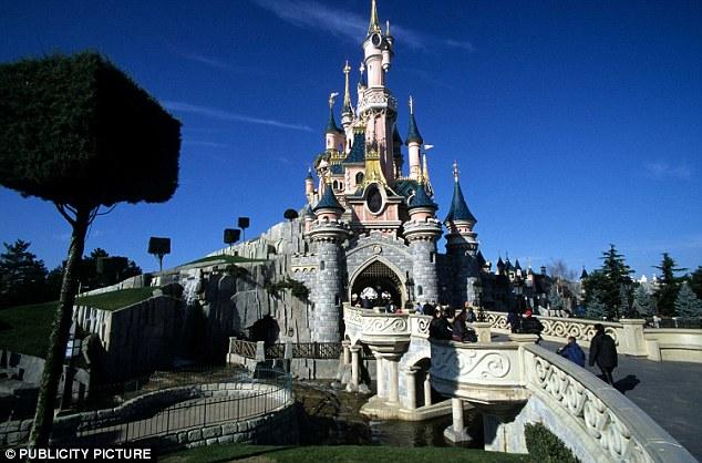 Euro Disney : les difficultés financières au menu d'un CE extraordinaire lundi - Page 2 14130410
