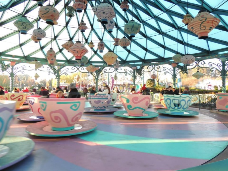 Mad Hatter's Tea Cups / Les tasses d'Alice - Page 4 359