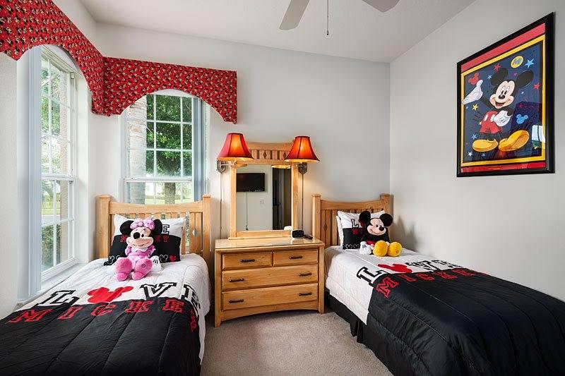 Idée déco chambre Disney 3811