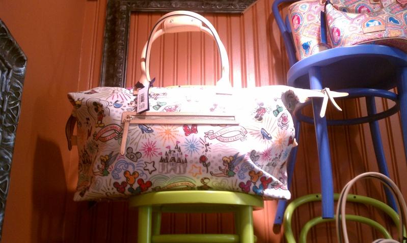 Disney Dooney & Bourke - maroquinerie Imag0610