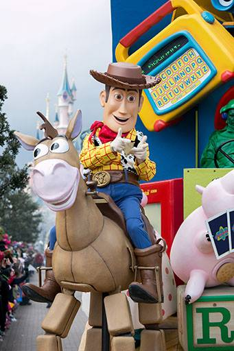 Photos publiées sur Facebook par Disneyland® Paris Kuyhl10