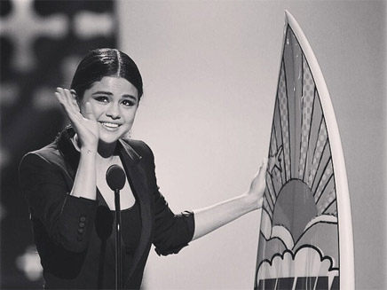 Teen Choice Awards 2014 : les récompenses pour Disney Selena10
