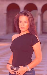 Holly Marie Combs avatar 200x320 Charme10