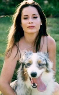 Holly Marie Combs avatar 200x320 Holly-11
