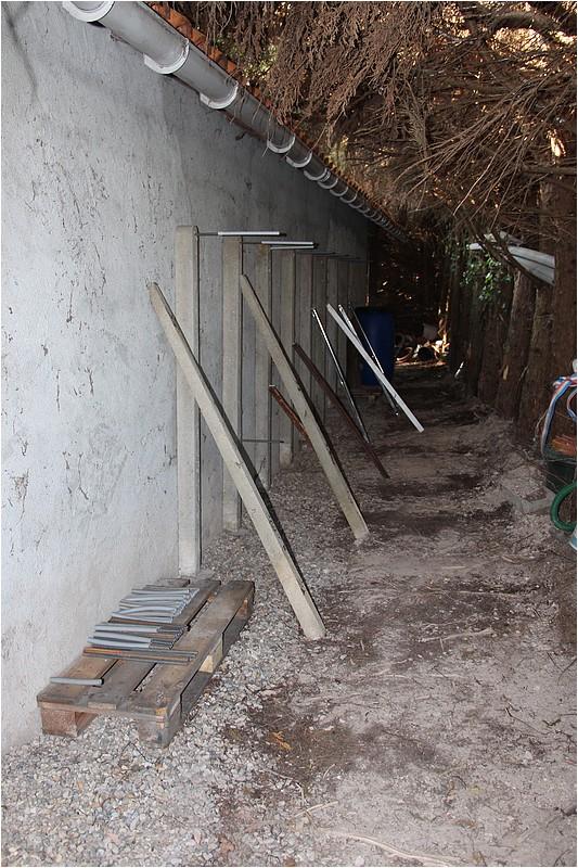 Un rack à bois extérieur Img_8810