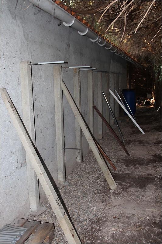 Un rack à bois extérieur Img_8811