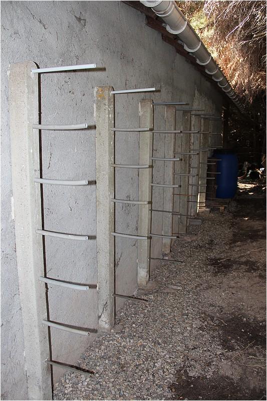 Un rack à bois extérieur Img_8910