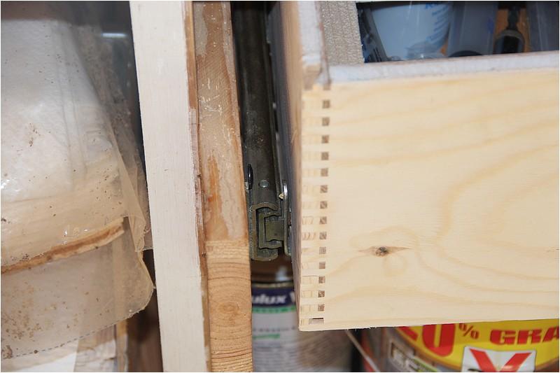 Aménagements atelier - 1 - Plan de travail sous la fenêtre. Img_9017