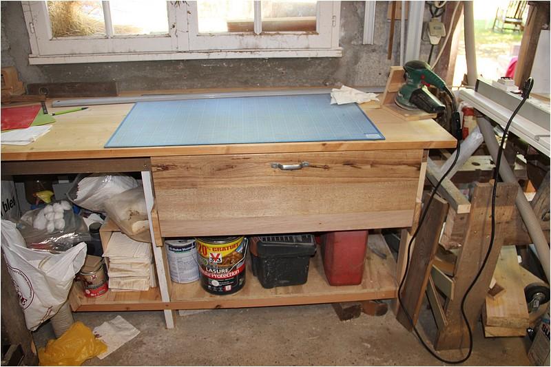 Aménagements atelier - 1 - Plan de travail sous la fenêtre. Img_9021
