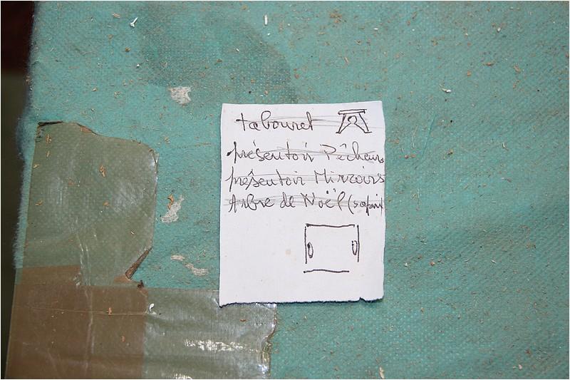 Un tabouret sous contraintes Img_9210