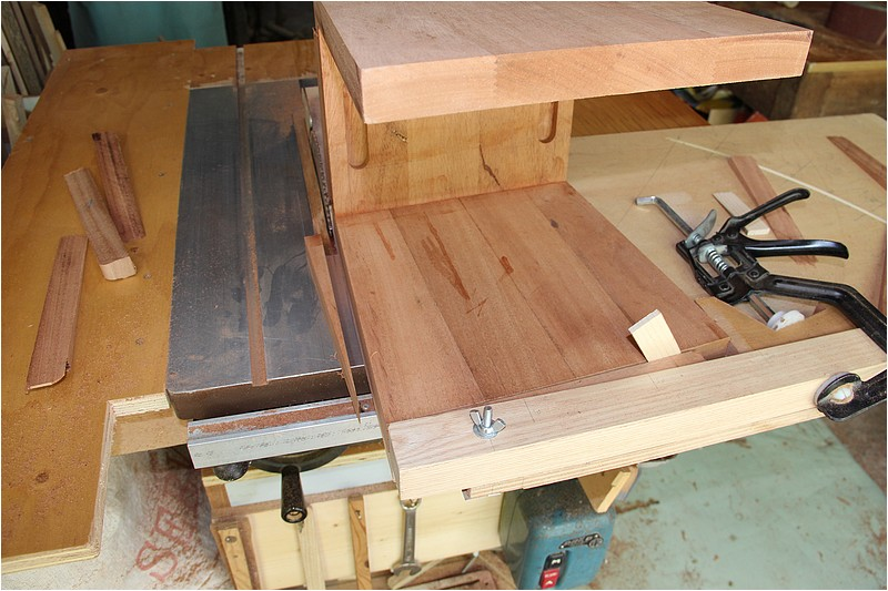 [Fabrication] Deux tabourets Img_9322
