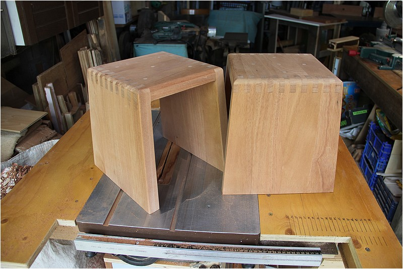 [Fabrication] Deux tabourets Img_9325