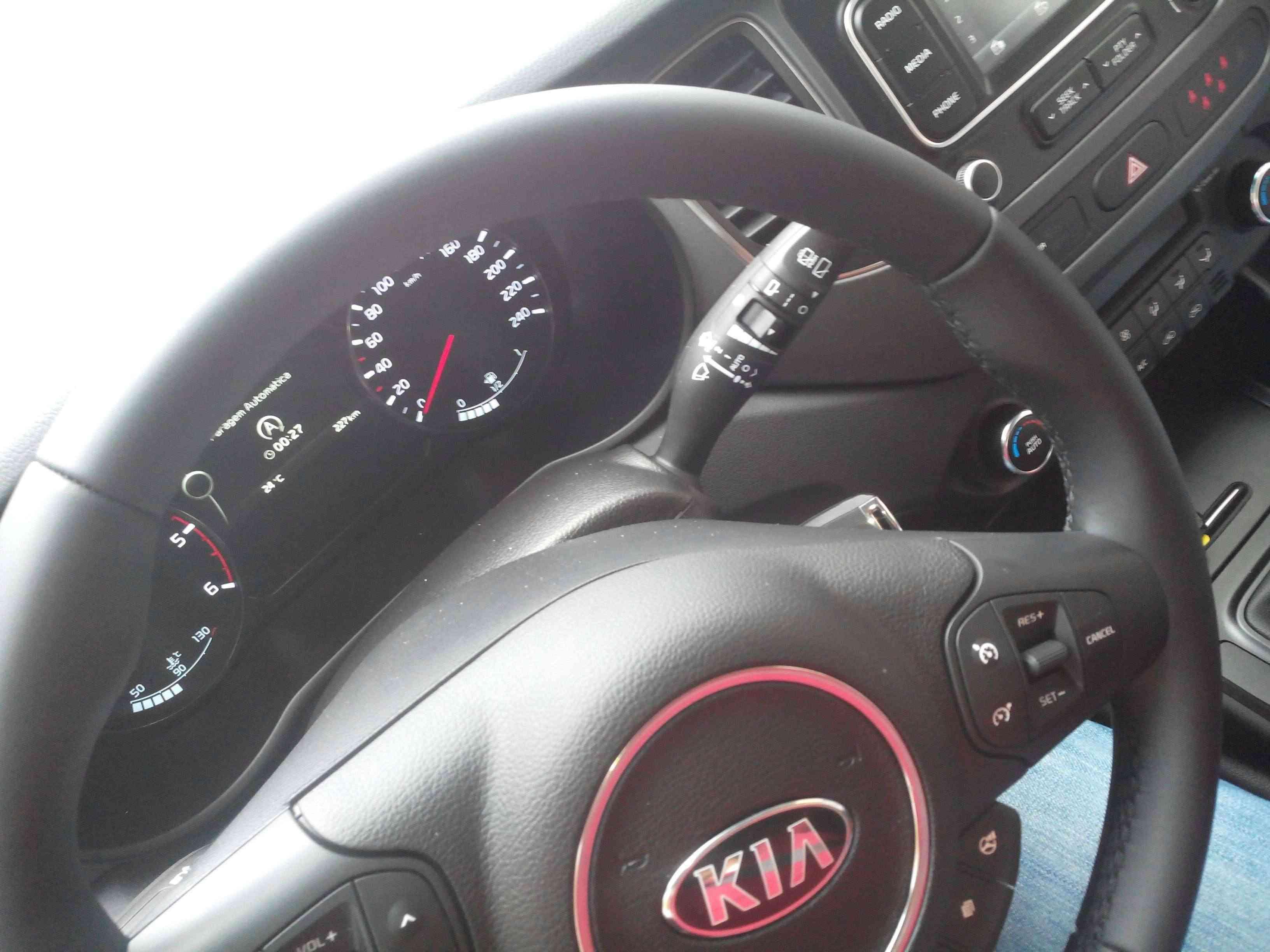 Kia Carens 1.7 TX CRDI 136cv e Kia Cee'd 1.6 CRDI 5p. - DO RUIZINHO  - Página 4 Img_2015