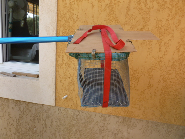 fabrication artisanale d'une épuisette cage trappe chats sauvages Epuise10
