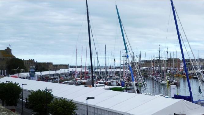 Les pontons du Rhum à St Malo P1000610