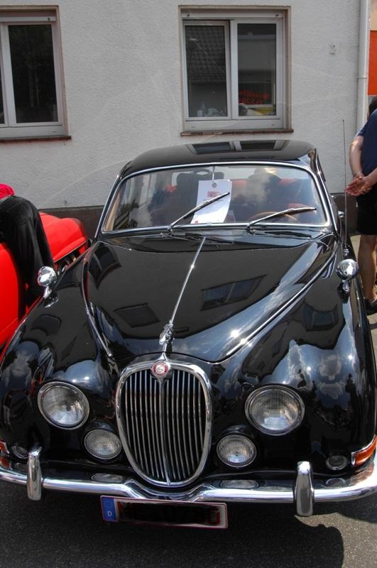 Am Fuße der Burg, oder Autos Autos Autos B00210