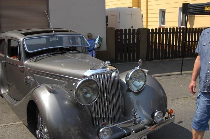 Am Fuße der Burg, oder Autos Autos Autos B510