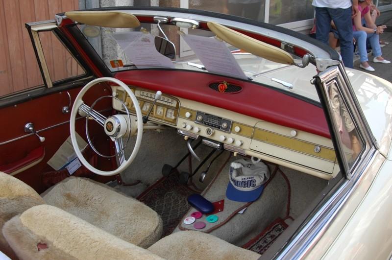 Am Fuße der Burg, oder Autos Autos Autos Bor0210