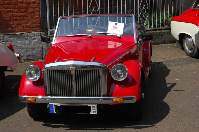 Am Fuße der Burg, oder Autos Autos Autos Seat-010
