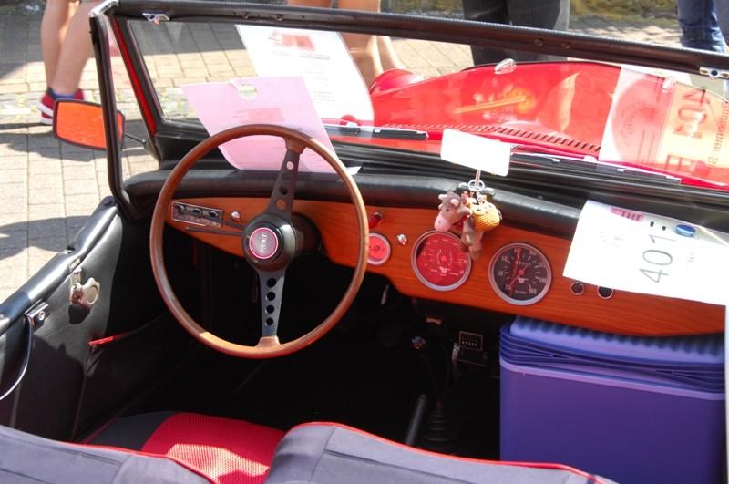 Am Fuße der Burg, oder Autos Autos Autos Seat-011