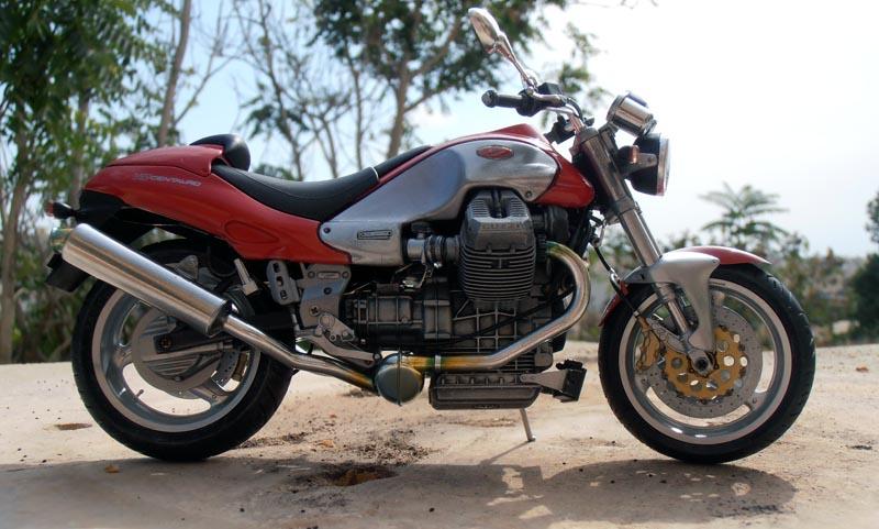 Moto Guzzi V10 Centauro Guzzi_12