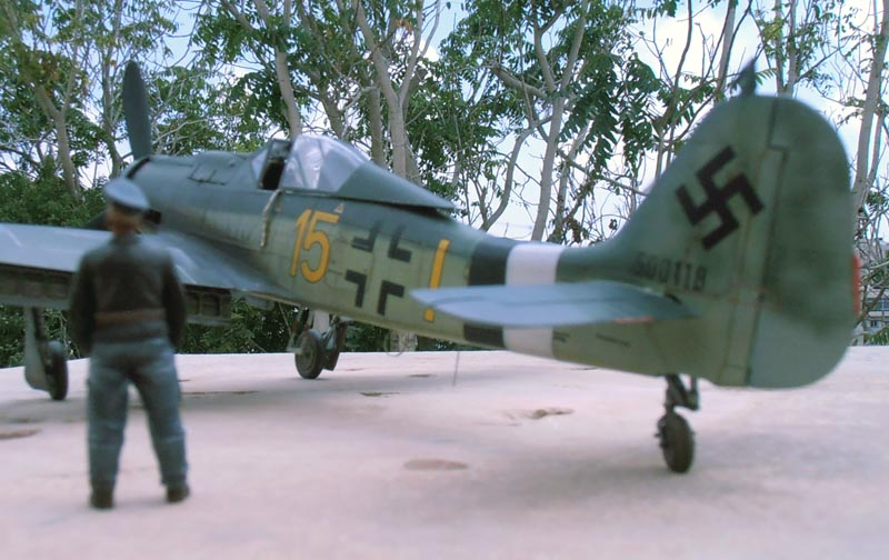 FW190-D9 of JG26 - Page 2 Red_2410