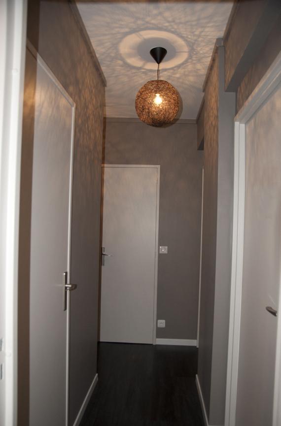Peinture d'un couloir étroit et assez long Deco310