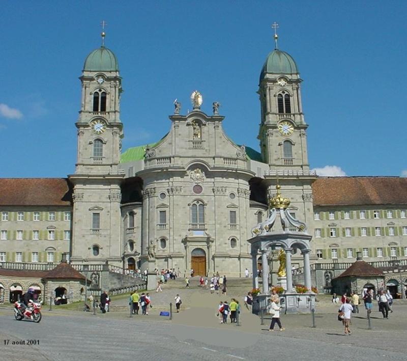 Oblats suisse Einsie10
