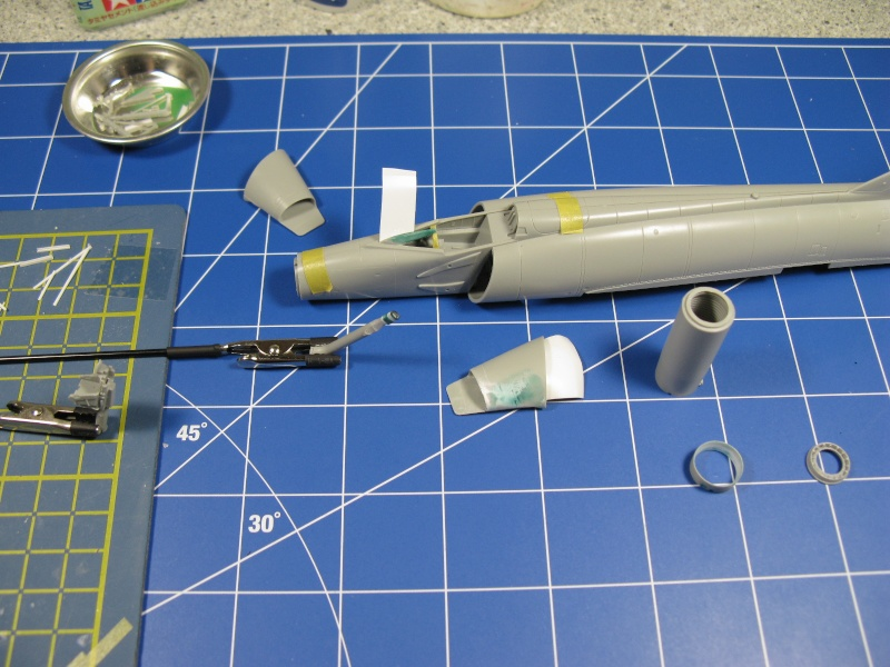 F-102A  1/72    MENG Img_2431