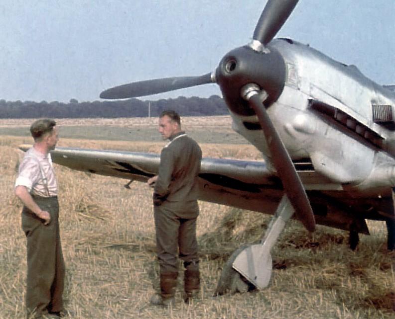 Airfix ME 109 1/72 - Tatzelwurm - FINISHED! - Page 2 1-colo10