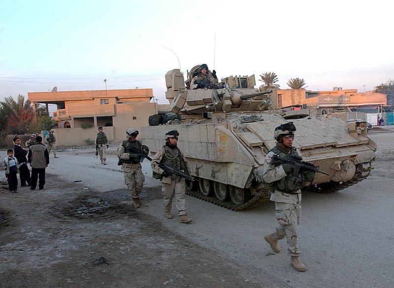 M2 A3 Bradley busk 1-35 meng  Ilover10