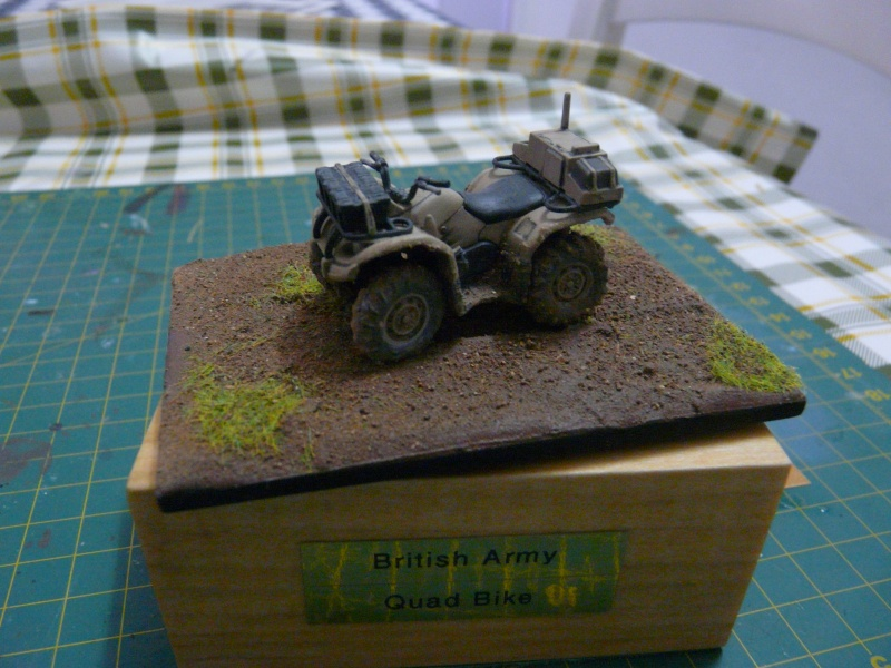 Quad bike British Army  Airfix 1-48  P1120111