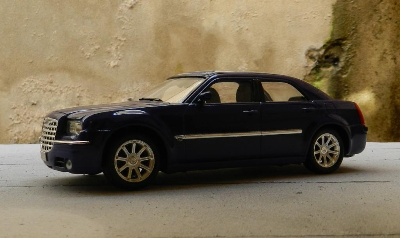 Chrysler 300C 2005 Chrysl16