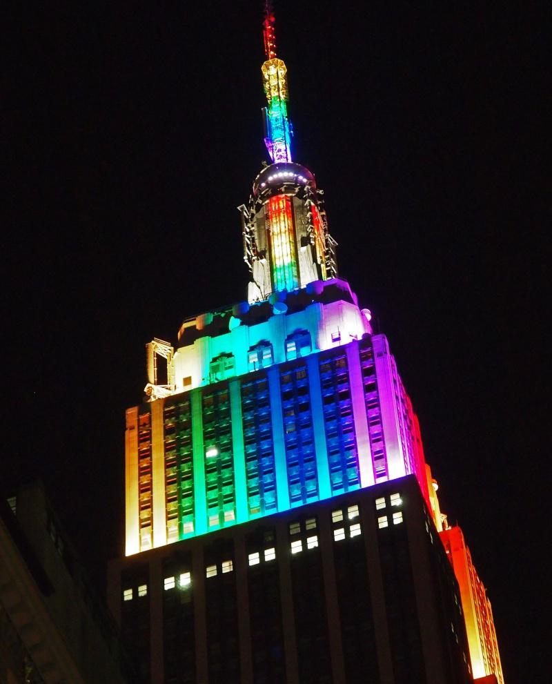 Haut Empire State Building Emb_nu11