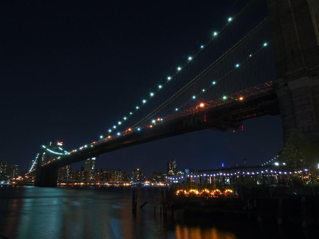 Brooklyn bridge la nuit P7067310