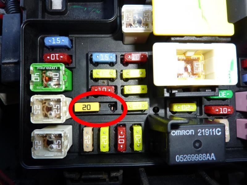 + 12v apres contact / +12v permanent P1060411