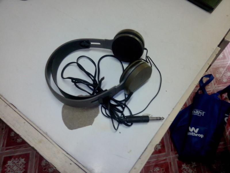 Akai Vintage Headphone ( Used ) Img_2014