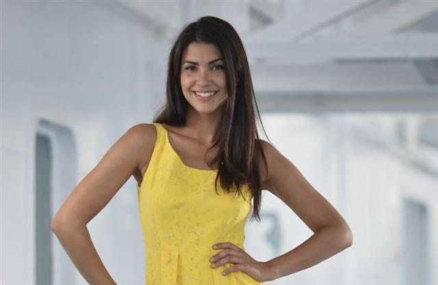 Votez pour votre hotesse préférée du Tour 2013 A2b93_10
