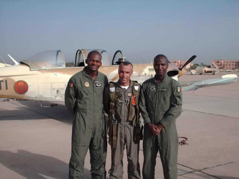 Les FAR ... école pour les armées africaines ! - Page 2 48566210