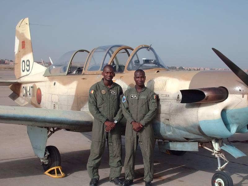 Les FAR ... école pour les armées africaines ! - Page 2 97003910