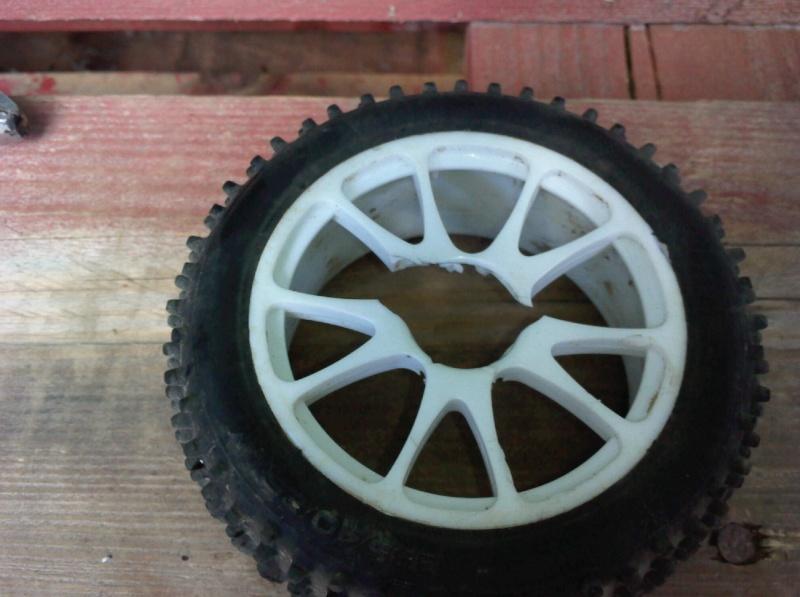 pneu baja arraché Photo012