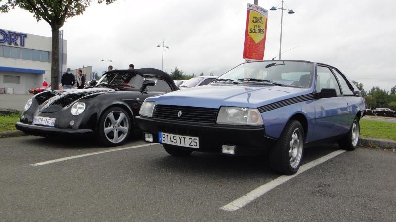 Une Renault plus modeste.... Dsc01014