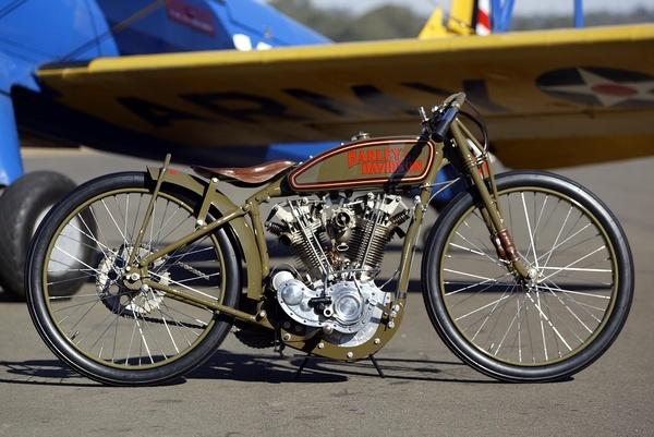 Les vieilles Harley....(ante 84) par Forum Passion-Harley - Page 37 10450712